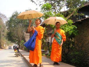 monks-455_640