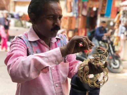 路上物売り(インド)